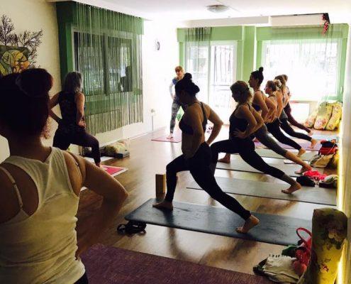 Şerife Karahançer ile Yoganın Temelleri bostanlı yoga