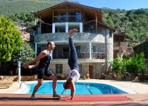 İzmir Karuna Yoga