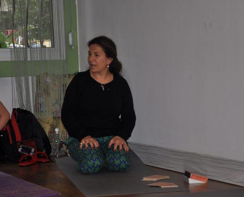 DSC 0082 495x400 - Neslihan İskit ile Çocuk Yogası Eğitimi