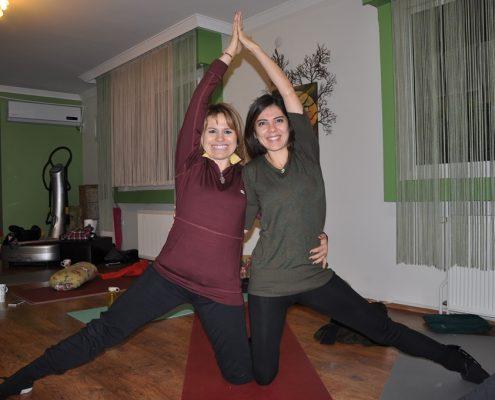 DSC 0085 495x400 - Neslihan İskit ile Çocuk Yogası Eğitimi