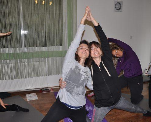 DSC 0087 495x400 - Neslihan İskit ile Çocuk Yogası Eğitimi