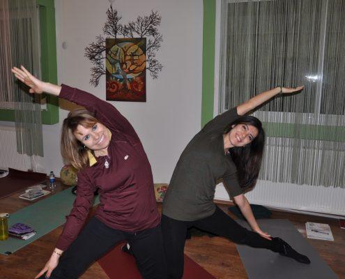 DSC 0088 495x400 - Neslihan İskit ile Çocuk Yogası Eğitimi