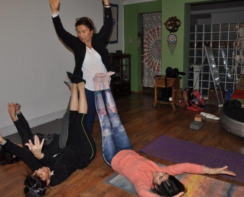 DSC 0111 495x400 - Neslihan İskit ile Çocuk Yogası Eğitimi