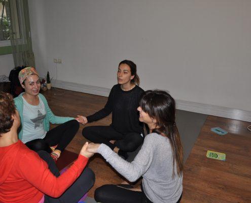 DSC 0117 495x400 - Neslihan İskit ile Çocuk Yogası Eğitimi