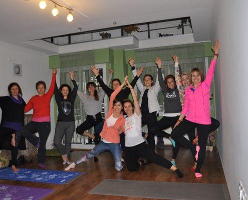 DSC 0122 495x400 - Neslihan İskit ile Çocuk Yogası Eğitimi