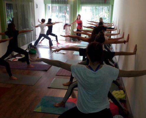 erife Karahançer ile Temel Yoga Eğitimi 3 495x400 - Şerife Karahançer ile Temel Yoga Eğitimi