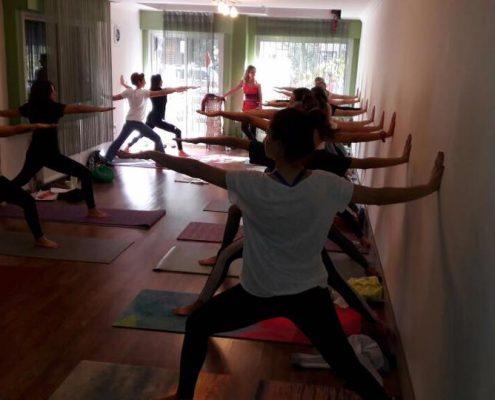 erife Karahançer ile Temel Yoga Eğitimi 5 495x400 - Şerife Karahançer ile Temel Yoga Eğitimi