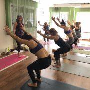 Şerife Karahançer ile Yoganın Temelleri izmirde yoga