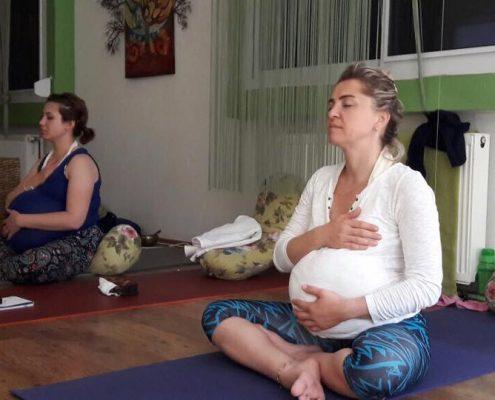 izmir yoga Hamile Yogası Eğitmen Eğitimi