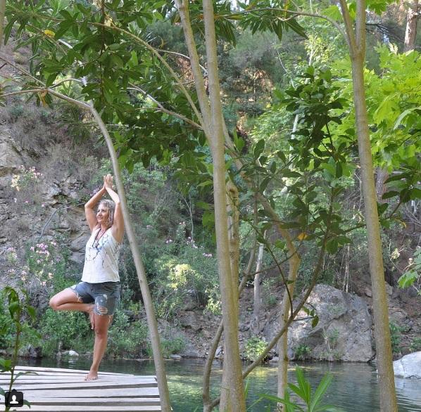 Vücudumuz Gökyüzüne Uzanan Ağacın Gövdesidir Izmir Karuna Yoga